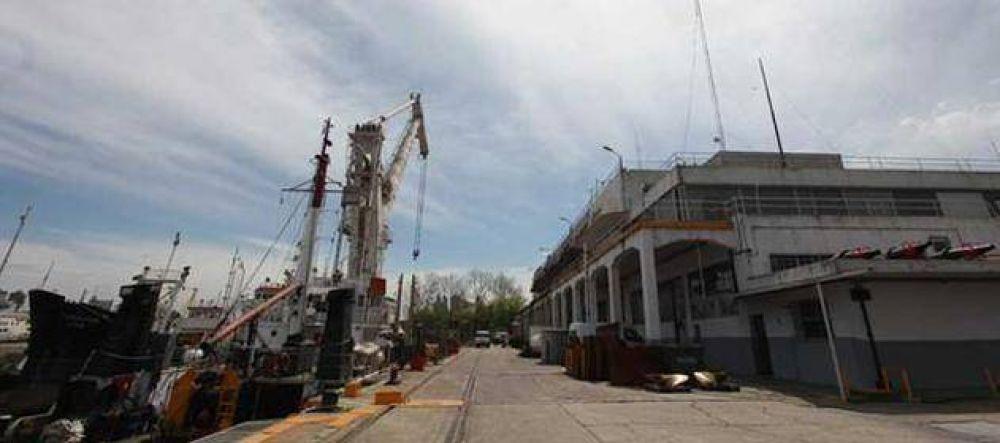 Portuarios amenazan con tomar la Isla Demarchi