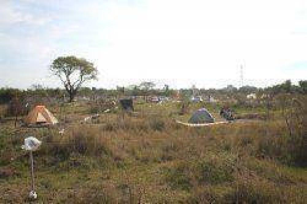 Llaman por usurpación a okupas de 2 asentamientos