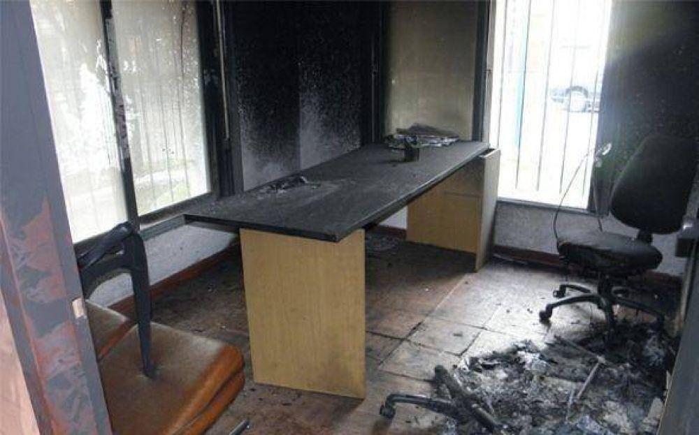 Interna feroz en el Sindicato de la Carne de Pilar terminó con el incendio de una sede del gremio