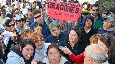 """""""Dragones"""" bloquearon algunas horas El Tordillo y se movilizaron por la ciudad"""