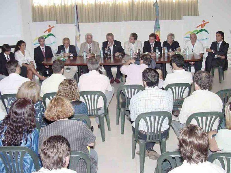 Para su lanzamiento regional vinieron a Balcarce José Scioli y Marcelo Garrafo