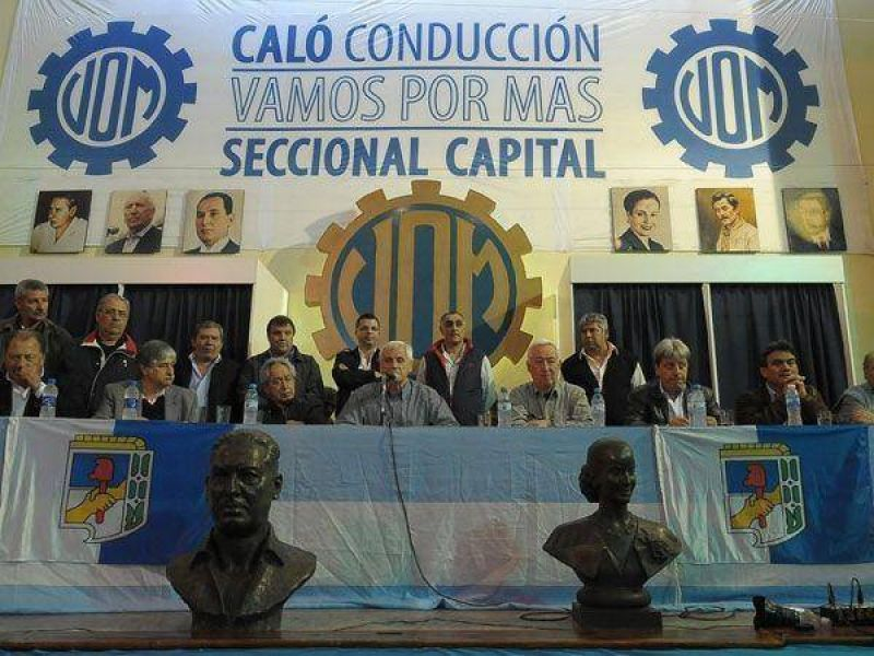 Los antimoyanistas proclamarán hoy a Caló como su secretario general