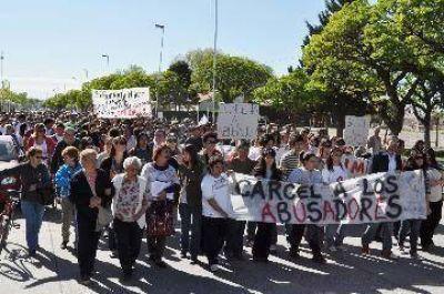 Masiva marcha en Río Colorado contra abusos