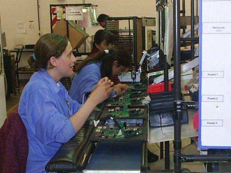 Hay beneficios planteados en la nueva tarifaria a fábricas que mantengan el empleo.
