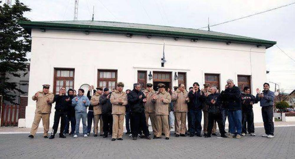 Personal de Prefectura de Santa Cruz, se plegó al autoacuartelamiento