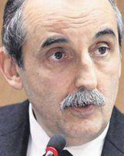 Moreno flexible: libera más entrada de importados