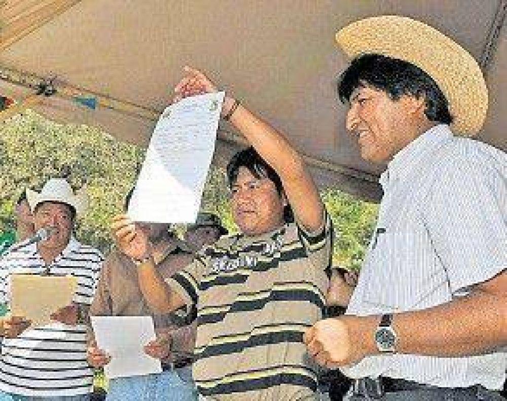 Morales repartió tierras confiscadas