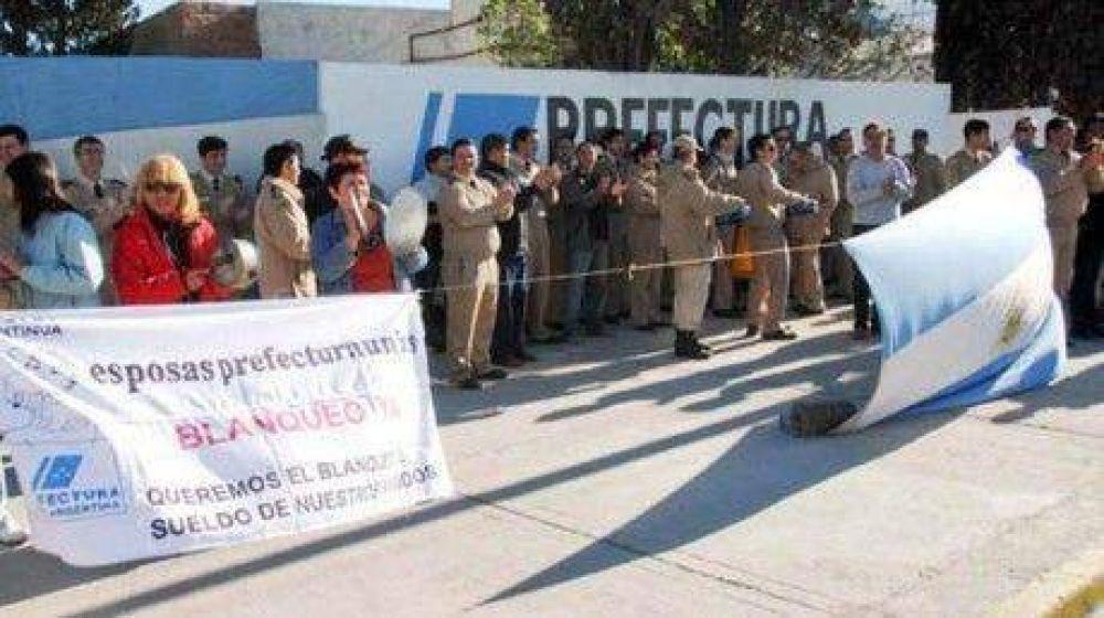 Los efectivos de Rawson, Madryn y Comodoro adhirieron a la protesta nacional de Prefectura