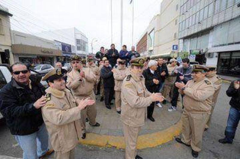 Prefectos protestaron en el centro de R�o Gallegos