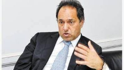 Scioli prevé subir impuestos a countries, pooles de siembra y bingos en 2013