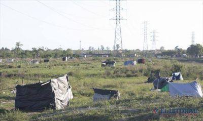 Tras medida judicial en el Pirayuí esperan asistencia sanitaria para los ocupantes