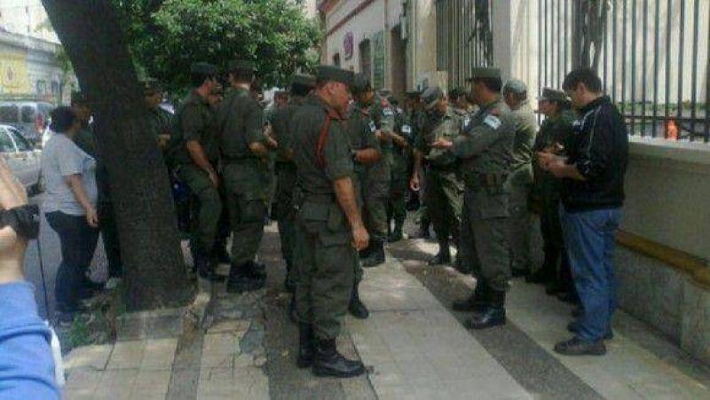 Gendarmes tucumanos se plegaron a la protesta salarial, en una jornada tensa