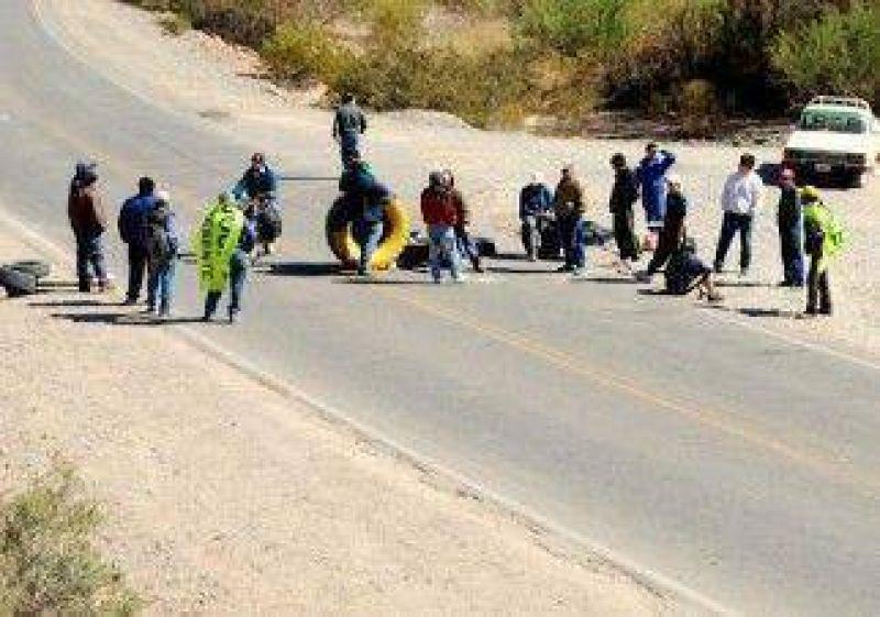 Desocupados de la UOCRA de Rincón endurecieron la protesta contra Vale