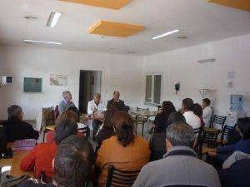 Profesionales de Jujuy continúan la protesta ante la falta de respuesta por parte del gobierno