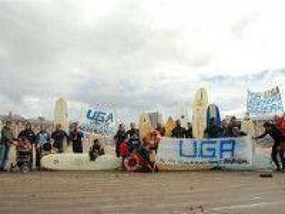 Guardavidas se manifestarán el domingo en las playas del centro