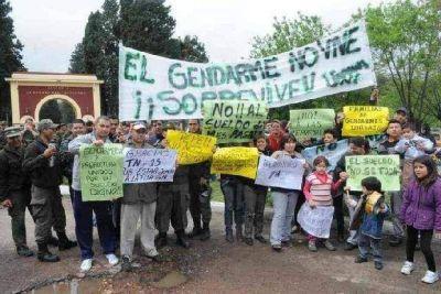 Comunicados de espacios pol�ticos frente al recorte salarial en Prefectura y Gendarmer�a