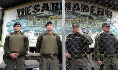 Pese a los reclamos, Gendarmería y Prefectura siguen marcando presencia en la región