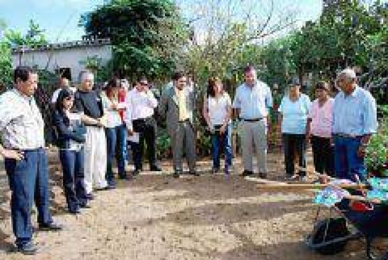 Lanzaron temporada otoño-invierno del Programa Provincial de Huertas