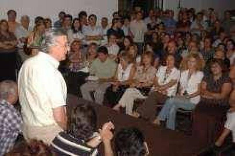 Mauricio Ibarra, sin definirse y en silencio