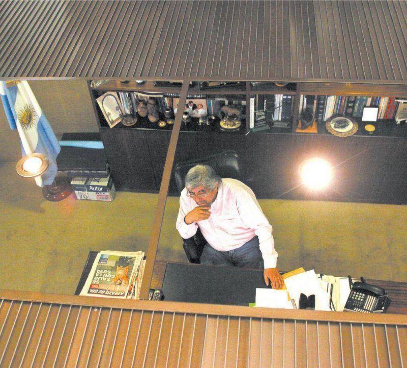Concentrado en la lucha partidaria, Hugo Moyano qued� aislado en la CGT