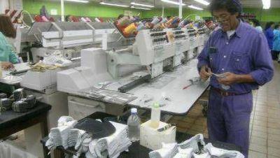 """El Gobierno """"sin certezas"""" sobre la venta de Alpargatas Textil"""