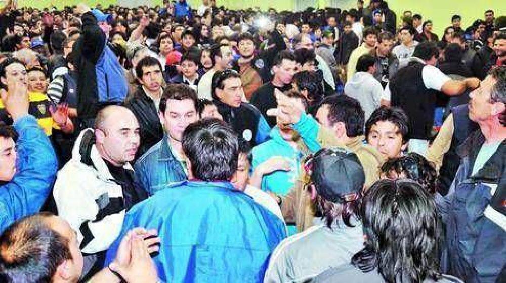 Enfrentamiento a balazos entre sindicalistas petroleros de Chubut