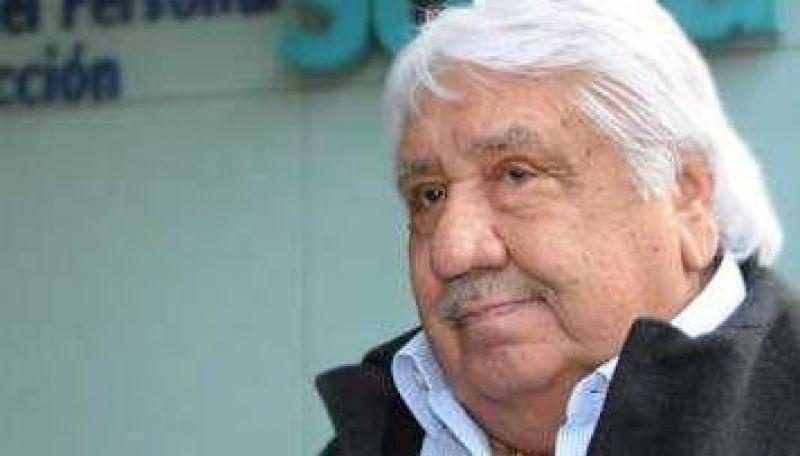 Lescano reitera amenaza de paro si no recibe respuesta del Gobierno