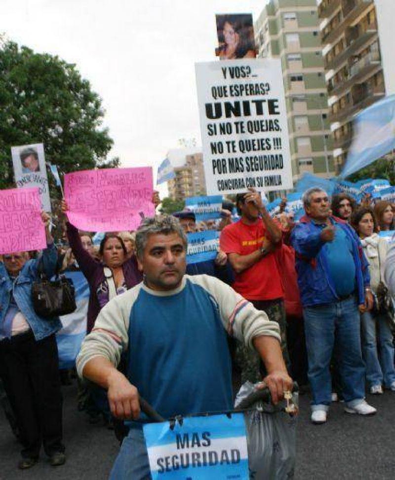Cinco mil marplatenses marcharon contra la inseguridad que sacude la ciudad