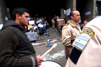 Expectativa por la reunión entre el Gobierno, los gendarmes y prefectos