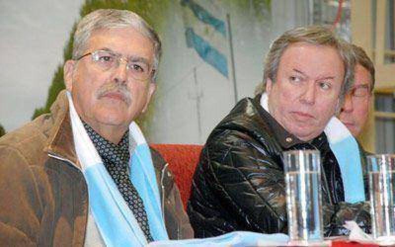 Peralta y De Vido inauguraron proceso de producción en yacimiento Manantial Espejo.