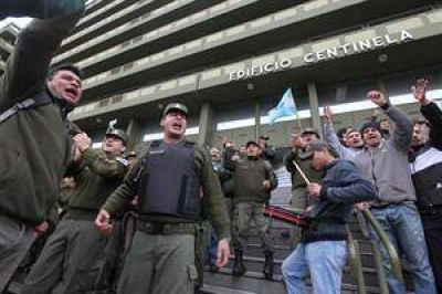 El Gobierno denunció un complot en las liquidaciones de los gendarmes