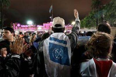No habrá aumentos y las fuerzas de seguridad prolongan la protesta