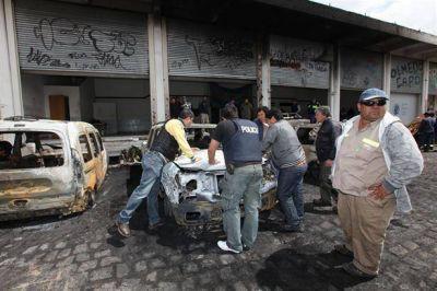 Tiros y bombas molotov en otra batalla entre sectores de la Uocra