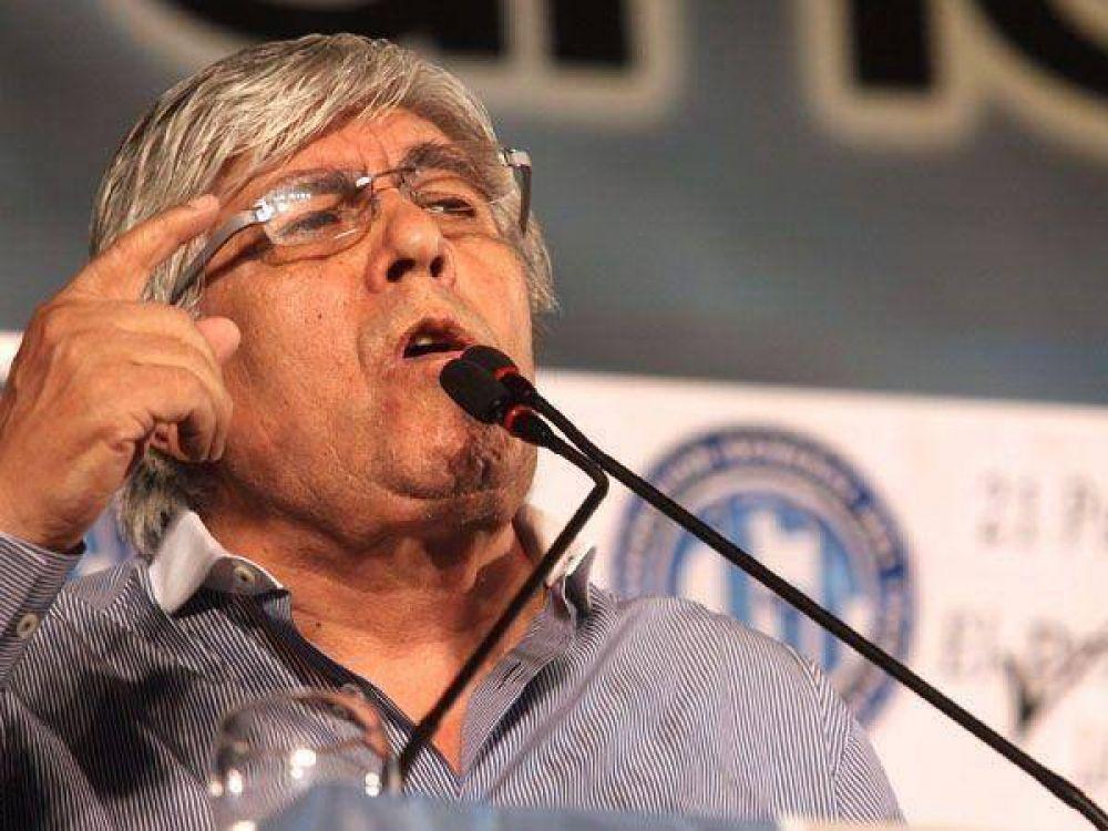 Moyano, a favor de que las FFAA tengan sus propios sindicatos