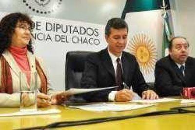 Aguilar anunció la puesta en marcha del Programa Recinto Digital