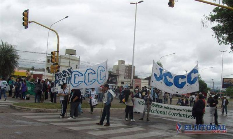 CTA: protesta nacional generó inconvenientes en el puente Belgrano