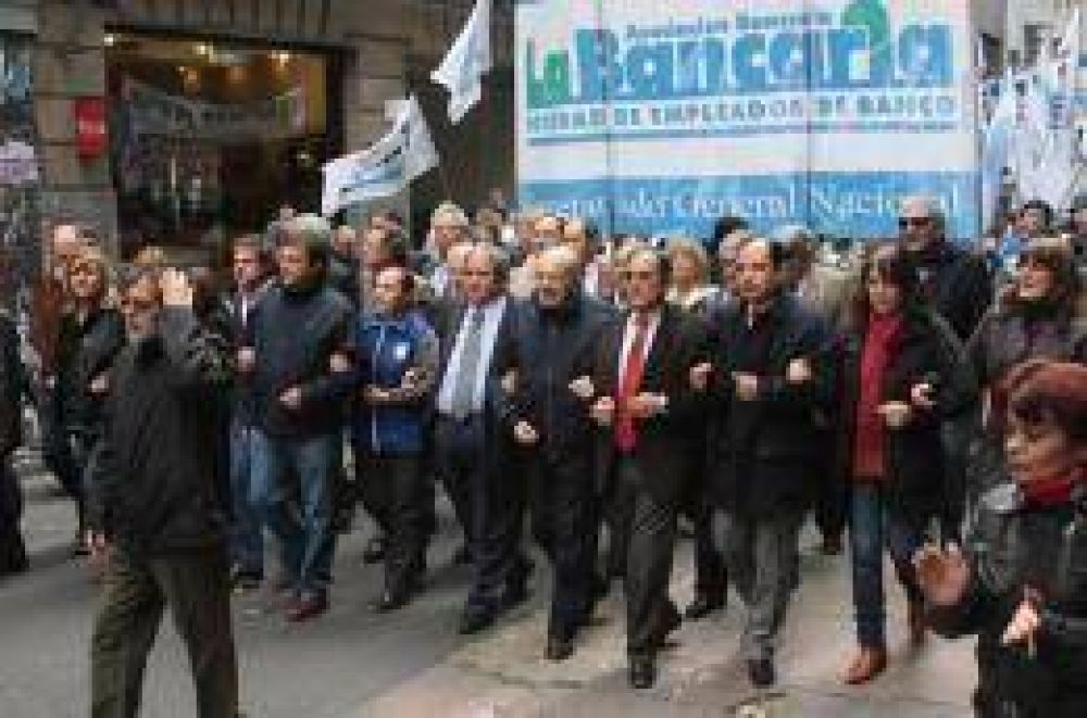 La Bancaria se manifestó en Capital Federal contra el Gobierno provincial