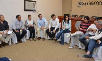 Espínola reunió a intendentes para apurar obras nacionales