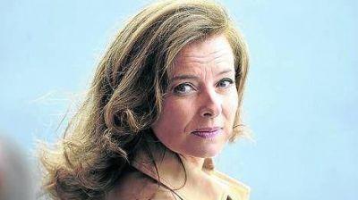 Los amoríos de la primera dama francesa, revelados en un libro