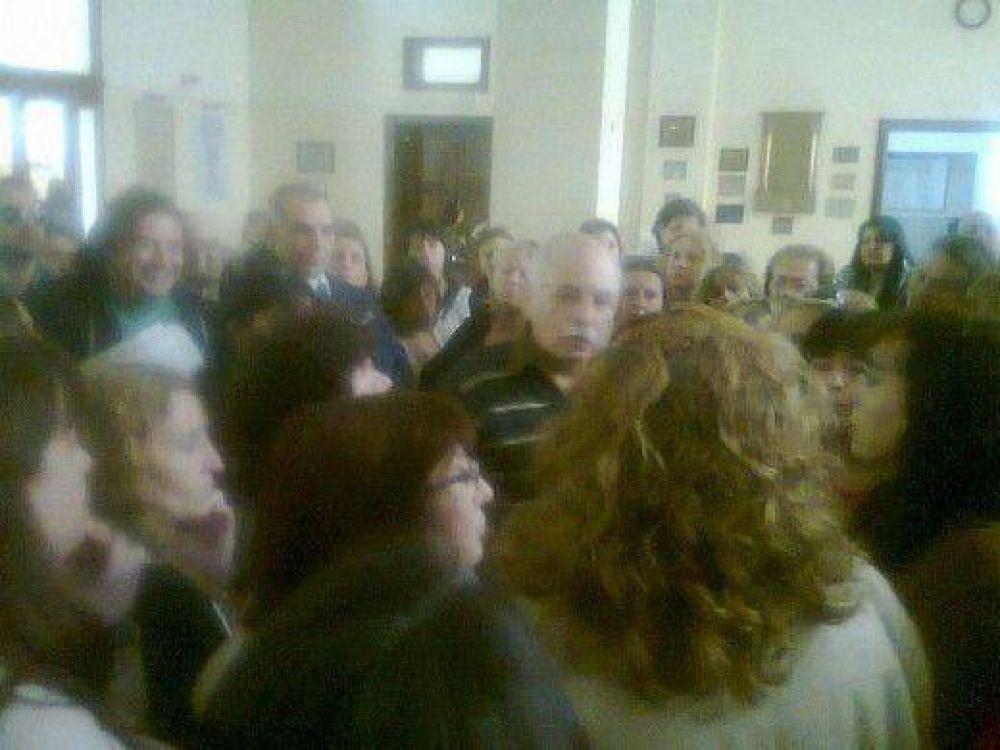 Indignación de municipales: Pulti y Gilardi acordaron aumento salarial del 17% para el 2013