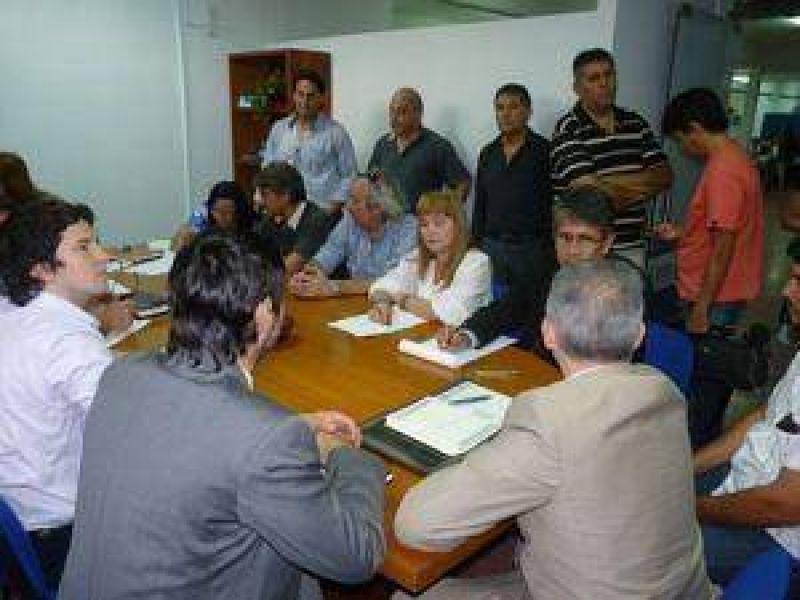 Conflicto docente: el gobierno ofreció devolver descuentos y blanquear el Fondo Estímulo