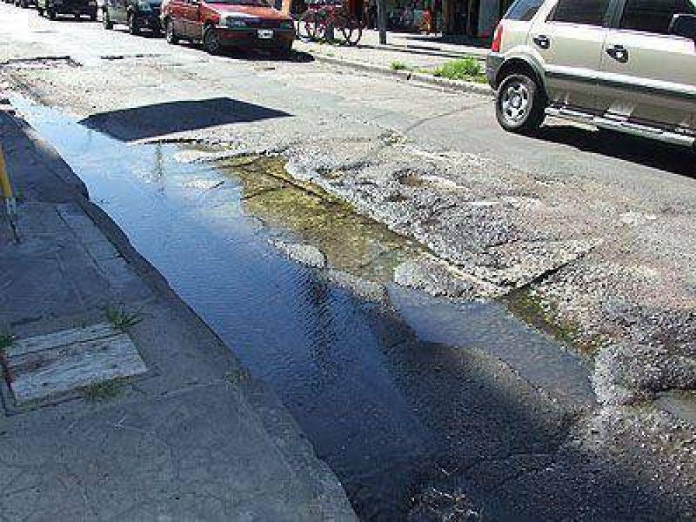 ESCALADA | UN RECLAMO DE HACE TIEMPO    Otra vez solicitan que reparen la deteriorada calle Juan de Garay