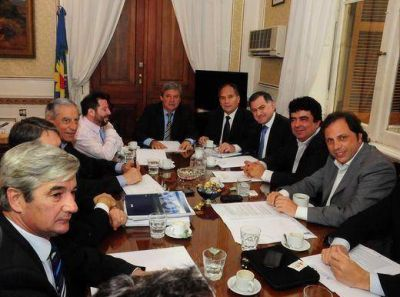 Presupuesto 2013: intendentes se reunieron en Diputados