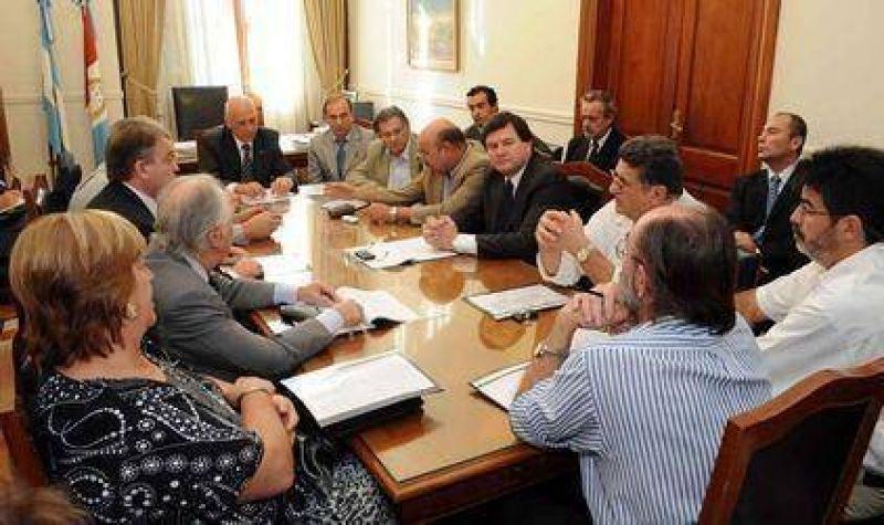 El Gobierno define si modifica el cronograma electoral en la provincia