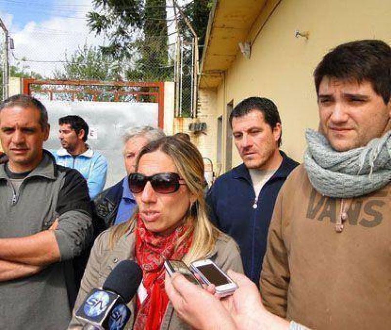 Trabajadores del Instituto Lugones contin�an reclamando por mejoras en su situaci�n laboral