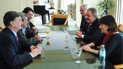 Lula acaparó la atención de los políticos en el foro empresario