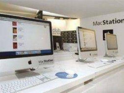 Piratas del asfalto roban 110 computadoras de Mac Station en Ezeiza