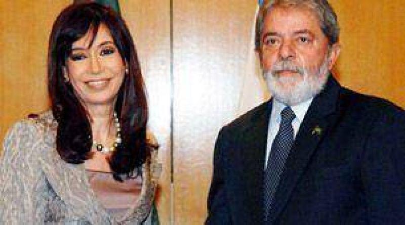 La presidente Cristina Kirchner viaja a Brasil para reunirse con Lula