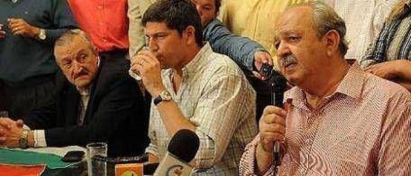 Después de vencer a Kirchner, el gobernador Brizuela del Moral le pidió la renuncia a todos sus ministros