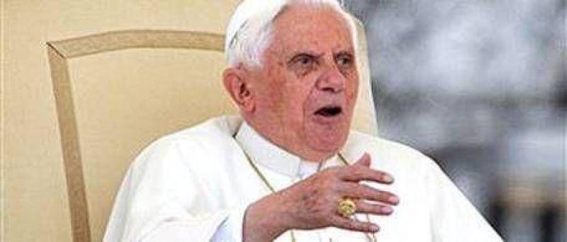 Un cura argentino apoyó al Papa quien dijo que los preservativos no previenen el Sida